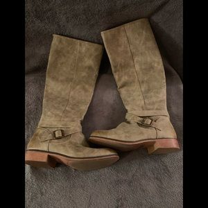 2Pairs Of Women Boots!!!